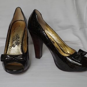 Naughty Monkey Platform Peep Toe Pump NWOB- Size 8